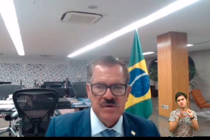Ministro Humberto Martins fala a alunos de direito sobre impactos da tecnologia 5G no Judiciário